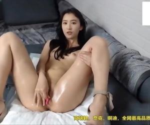 Liu Yifeis charming body,..